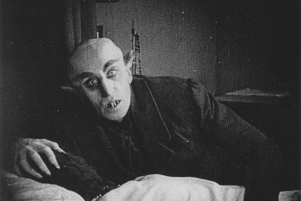 Nosferatu 1922 001 Max Shreck Bedside 00n 2r5
